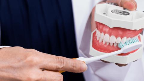 Hvor lang tid holder en tandblegning?